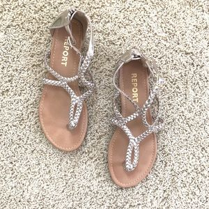 Girls Report Strapped golden sandals!